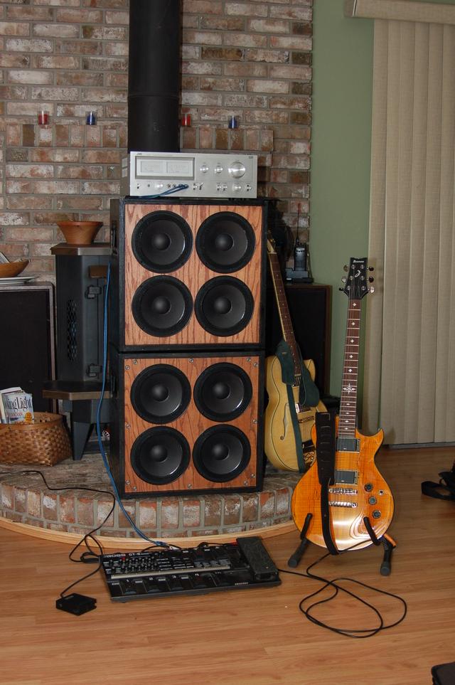 Index of /~scotsman/photos/4x8.speaker.cabinet.1